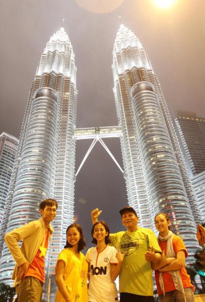 Malam yang kacau di Kuala Lumpur demi Menara Kembar Petronas