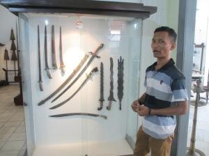 Mas Fajar menceritakan kisah Pedang Amangkurat